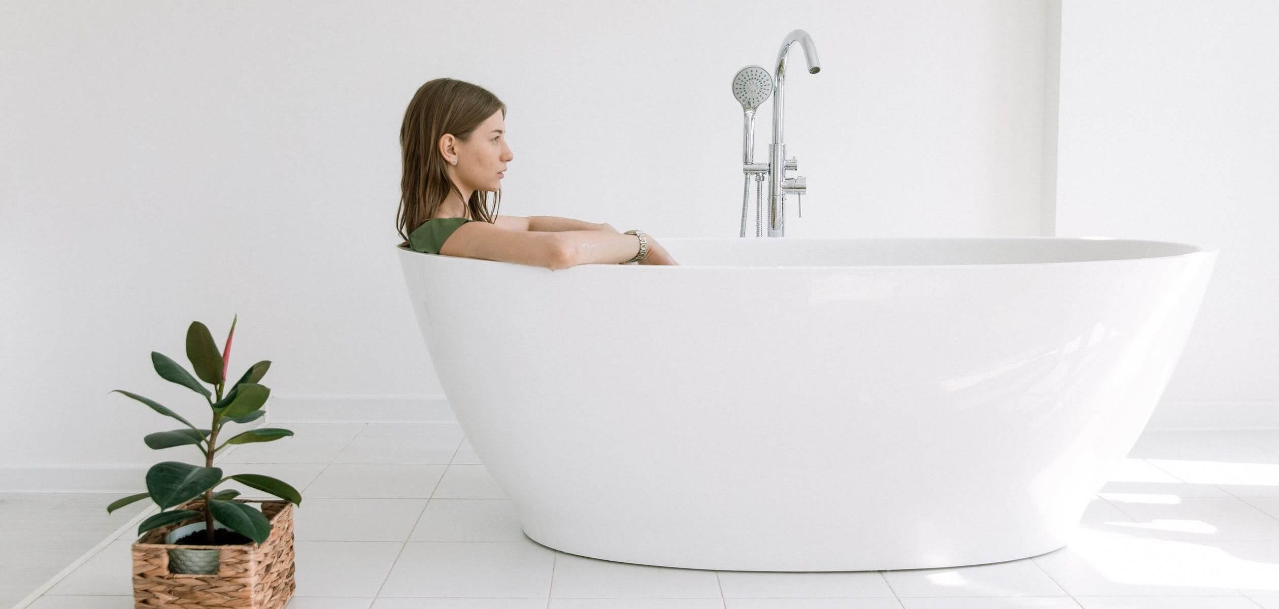 conric about-us banner bathtub